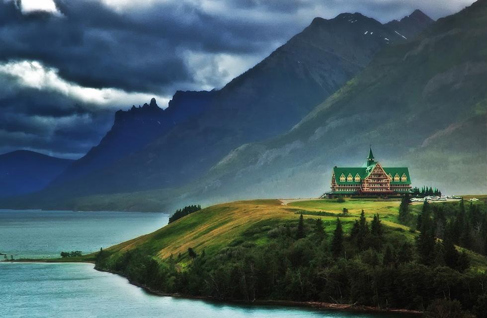 Best Vintage Hotels  best vintage hotels new prince of wale capa