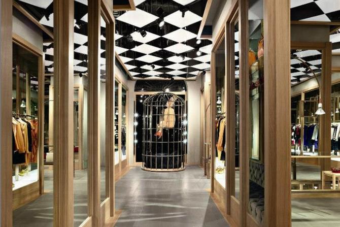Retail Design  11 112