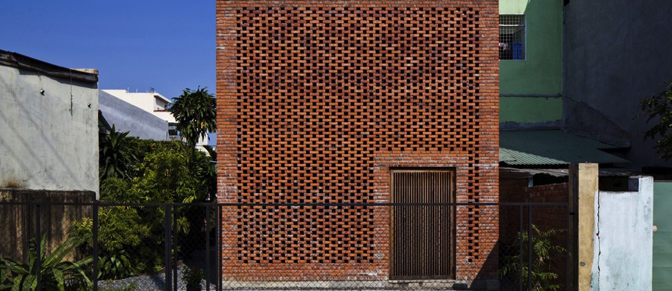 A Brick House by Tropical Space A Brick House by Tropical Space