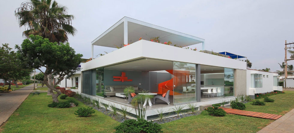 focal point Orange Staircase as Focal Point for Casa Blanca Residence in Peru Casa Blanca by Martin Dulanto Sangalli
