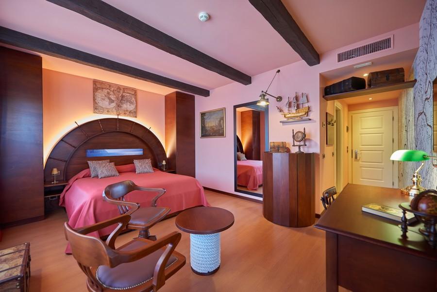 Original Themed Park Hotel Belfiore Celebrating 10 Italian Icons