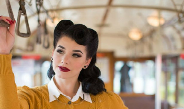 Discover the best vintage makeup ideas
