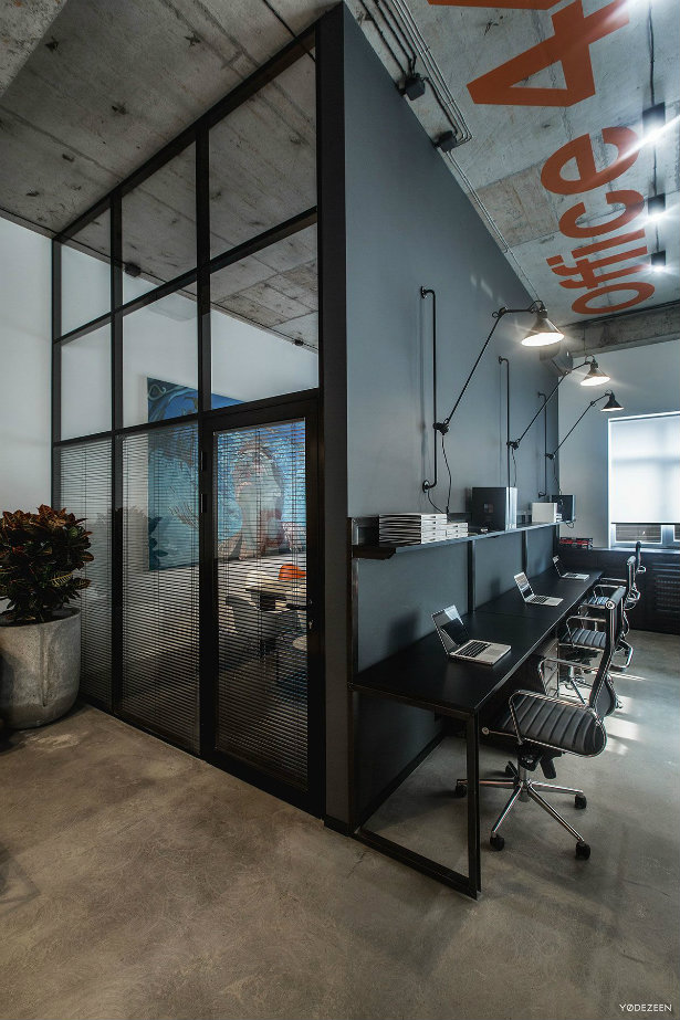 Offices with an industrial interior design touch industrial interior design Offices with an industrial interior design touch Offices with an industrial interior design touch 11