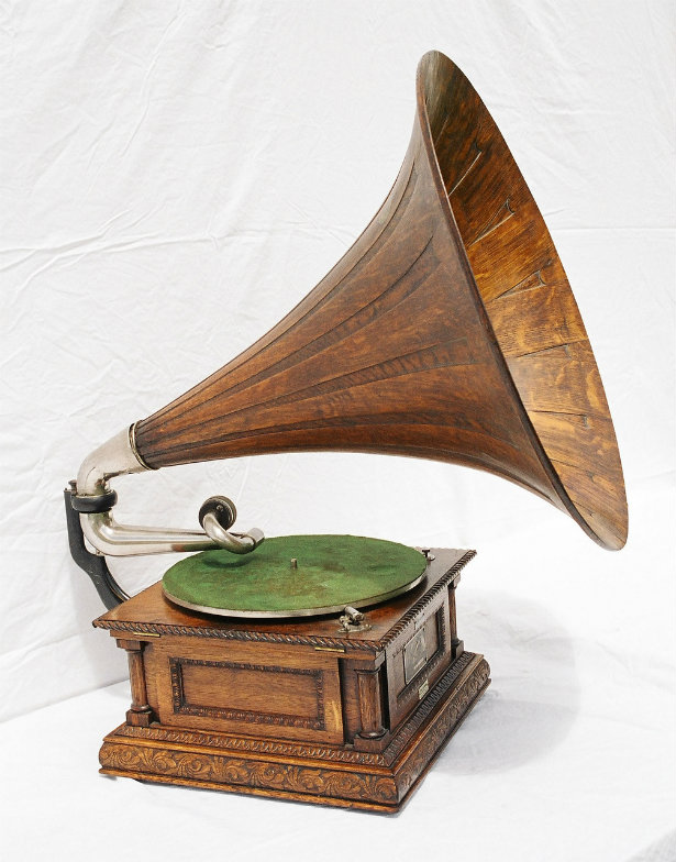 Old Technology: Vintage Music Players | Gramophone old technology Old technology: vintage music players Old technology vintage music players gramophone 2