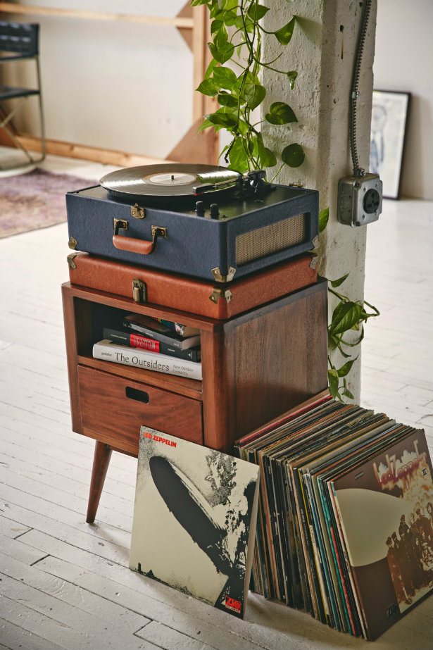 Old Technology: Vintage Music Players | Vinyl Player old technology Old technology: vintage music players Old technology vintage music players vinyl player