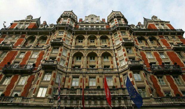 London's Mandarin Oriental furniture for auction