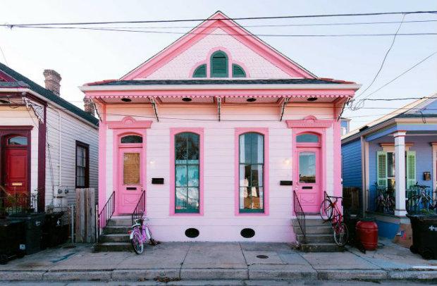 vintage decor Vibrant New Orleans Home Filled with Vintage Decor Vibrant New Orleans Home Filled with Vintage Decor featured