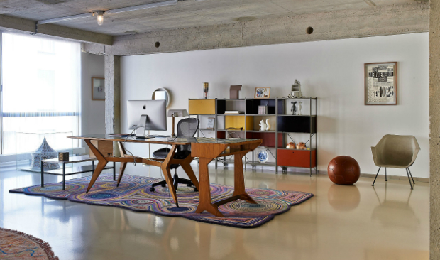 Industrial Loft Shines in Antwerp with An Objective Canvas
