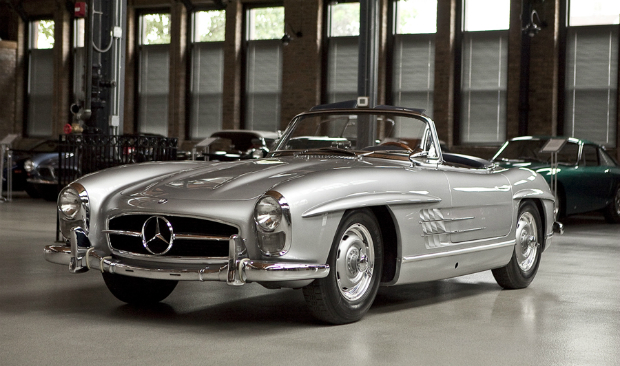 Mercedes-Benz 300 SL Roadster – The Vintage Legend Turns 60 This Year