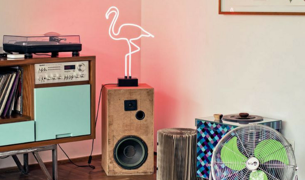 vintage style Vintage Style: Feel the Iconic Pink Flamingo Vintage Style Feel the Iconic Pink Flamingo 1