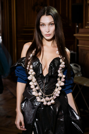 Bella Hadid 's Paris Fashion Week Looks: How It Can Inspire You For A Home Renovation! bella hadid Bella Hadid 's Paris Fashion Week Looks: How It Can Inspire You For A Home Renovation! 1