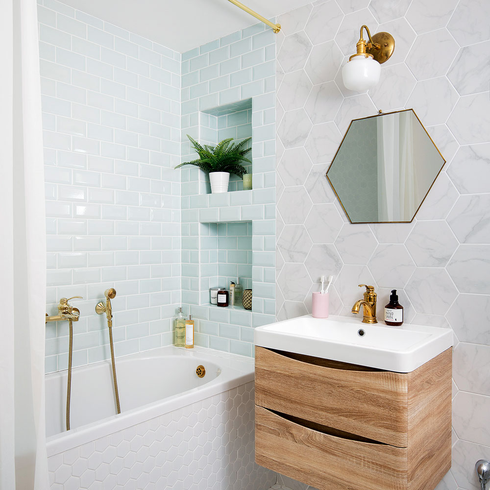 Here Is Where To Shop Vintage Lighting For Small Rooms Of The House 💡 vintage lighting Here Is Where To Shop Vintage Lighting For Small Rooms Of The House 💡 Small bathroom ideas hexagons