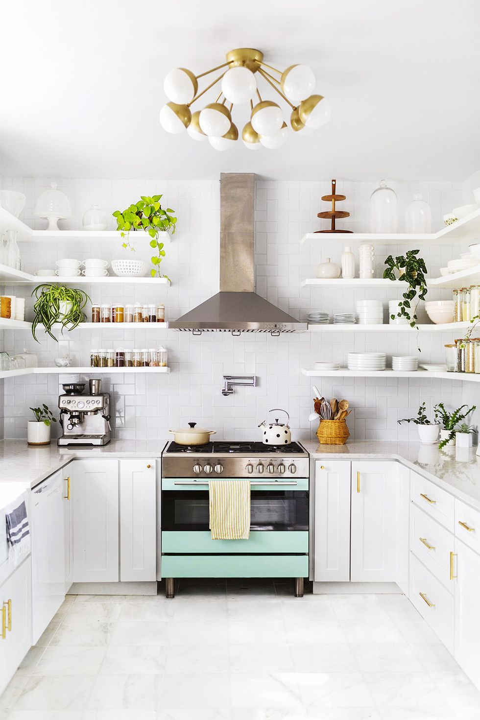 Here Is Where To Shop Vintage Lighting For Small Rooms Of The House 💡 vintage lighting Here Is Where To Shop Vintage Lighting For Small Rooms Of The House 💡 small kitchen idess 1572363904