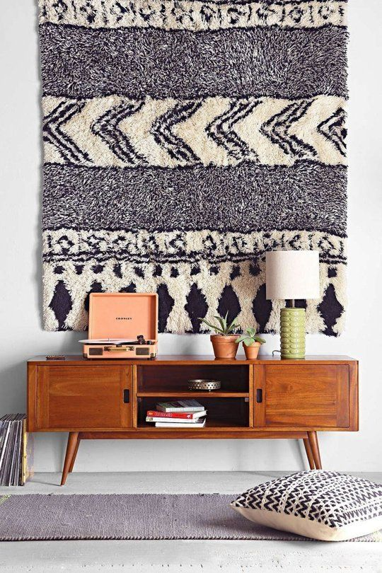 Hanging a Rug on the Wall is the Unexpected Design Idea You Have to do!
