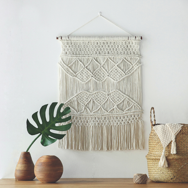 Hanging a Rug on the Wall is the Unexpected Design Idea You Have to do! rug on the wall Hanging a Rug on the Wall is the Unexpected Design Idea You Have to do! 3 17