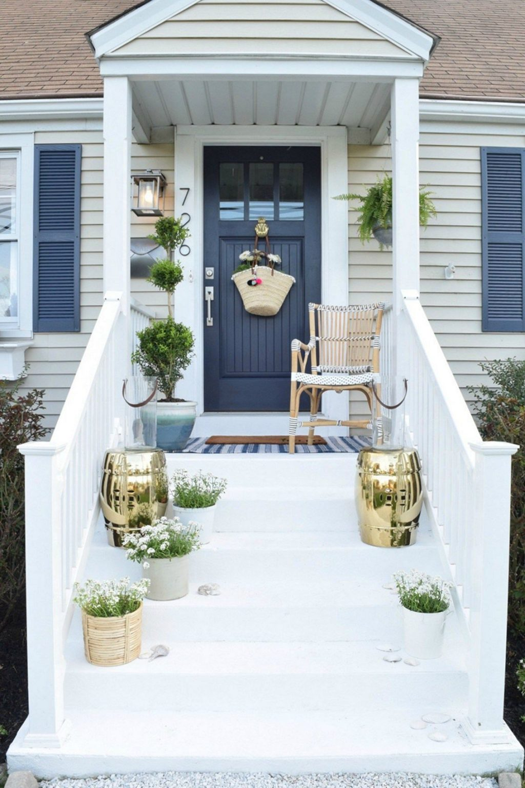 15 Porch Design Ideas That Will Have You Outside All Summer Long ☀️ porch design ideas 15 Porch Design Ideas That Will Have You Outside All Summer Long ☀️ 8 2