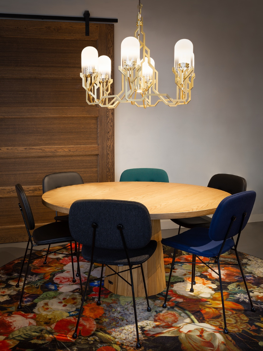 These Modern Chandeliers Really Shine (Even When The Switch is Off) chandeliers These Modern Chandeliers Really Shine (Even When The Switch is Off) 10